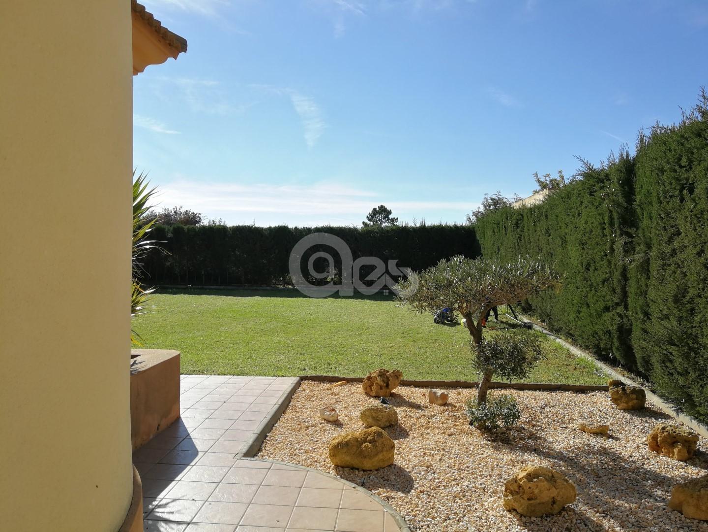 Precioso chalet en Villa Antonia!