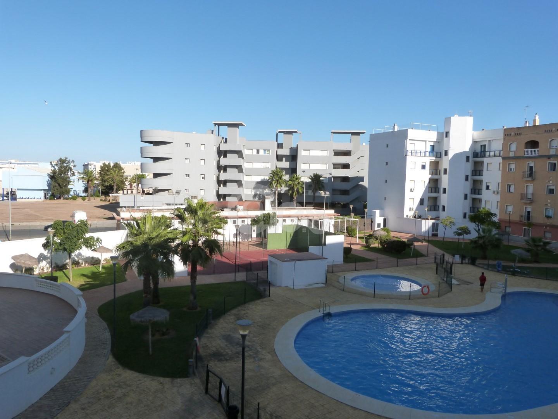 Bonito apartamento con piscina y trastero!